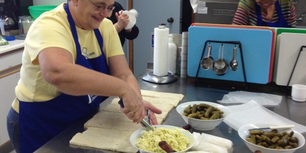 UCIM preparing food